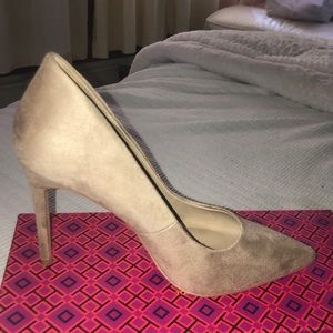 Suede Tan heels in perfect condition.